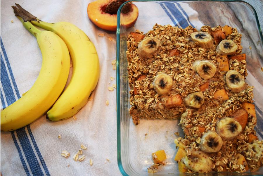 baked oatmeal, breakfast bake, peach banana oatmeal