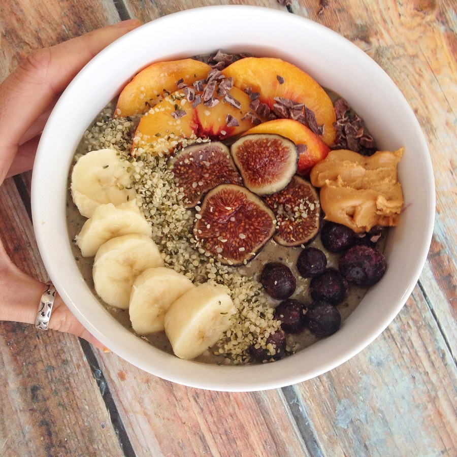 Smoothie Bowl with 25 grams of protein