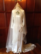 rs Pretty's Wedding Dress  from  www.buckinghamvintage.co.uk