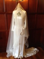 rs Pretty's Wedding Dress  from  www.buckinghamvintage.co.uk