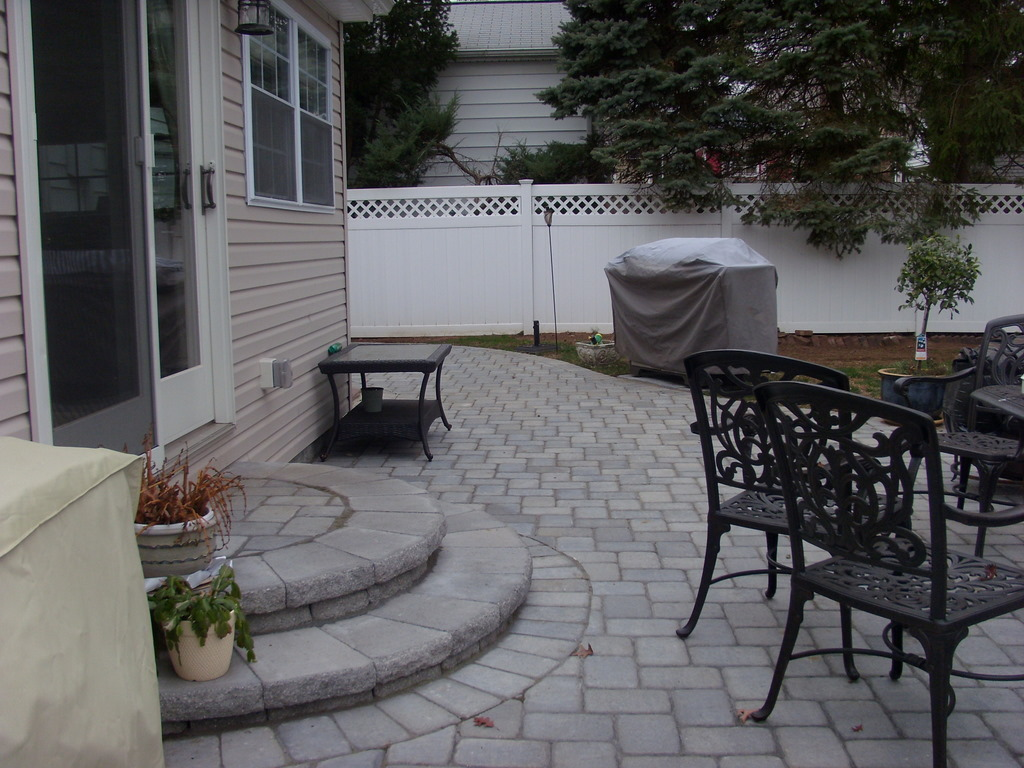 Building a Paver Patio Step - Elisa's Ramblings on Backyard Patio Steps id=52725