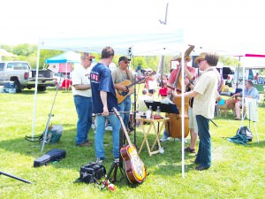 Fiddling at the Wrightstown Farmers' Market, May 1, 2010; photo by L. Goldman