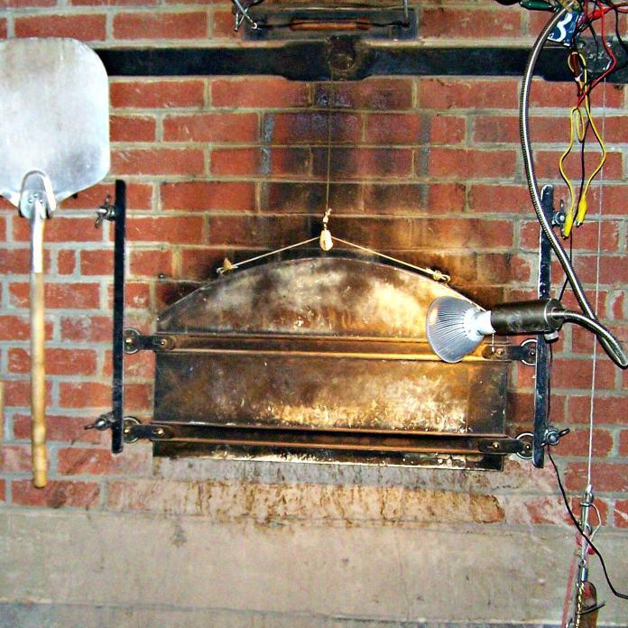 Bobolink brick oven. Photo credit L.Goldman