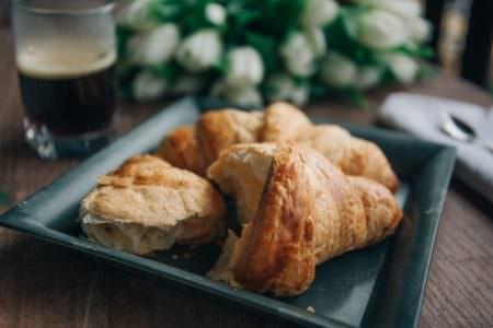 Croissant, Unsplash, Alisa Anton