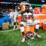 Can Shaq sack Sapp for single season record