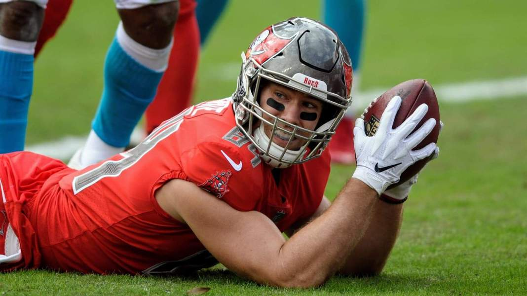 Cameron Brate/Associated Press