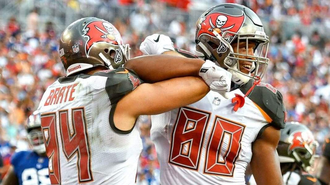 OJ Howard and Cameron Brate/ via Roy K. Miller/Icon Sportswire