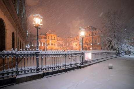 A nins la București 2