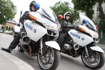 Politia Municipiului Bucuresti a prins doi hoti in cateva minute dupa ce au dat o spargere in Sectorul 6!