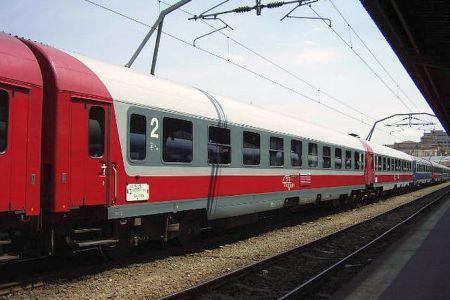 Trenurile care vin la Bucuresti de pe litoral sunt incarcate peste 110%