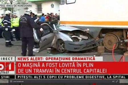 Accident pe Bulevardul Lascar Catargiu intre un taxi si o motocicleta