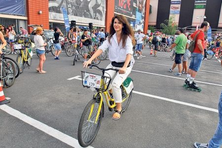 Bucurestenii sunt invitati in week-end sa creeze o BICICLETA URIASA!