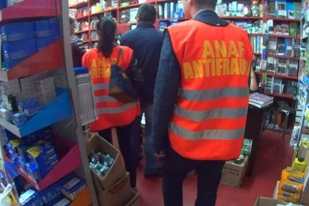 ANAF-ul a impartit amenzi cu generozitate la Dragonul Rosu! 20 de echipe de inspectori au verificat fiecare vanzator!