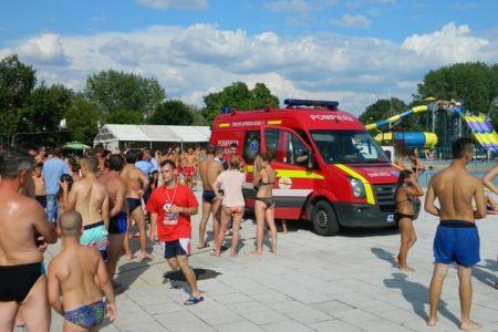 O tanara de 16 ani a murit dupa ce s-a inecat in piscina de la Straulesti!