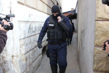 Descinderi in Bucuresti intr-un dosar de proxenetism! Mascatii au saltat 20 de persoane!
