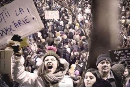 CENZURA CA PE VREMEA LUI CEAUSESCU! Spectacol artistic ANULAT de frica Gabrielei Firea pentru ca arata imagini de la protestele din Piata Victoriei!