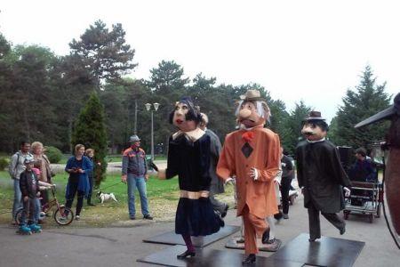 Teatrul Masca s-a mutat in Parcul Herastrau! A inceput stagiunea de vara!