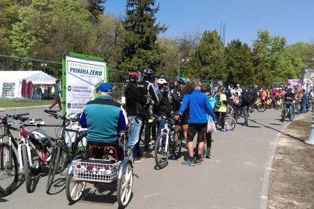 Marsul biciclistilor: Primăria Bucuresti e primaria ZERO – probabil cea mai incompetentă administrație din lume!