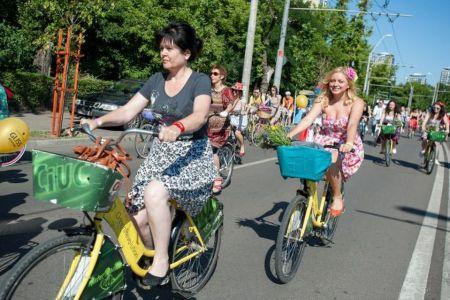 """Mii de bicicliste """"Cycle chic"""" sunt asteptate astazi pe strada Barbu Vacarescu: Festival dedicat fetelor pe bicicleta!"""