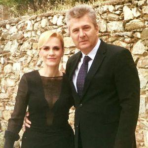 FOTO – Gabriela Firea a avut nunta in week-end! Toata lumea s-a intrebat de ce a venit ca la inmormantare?!