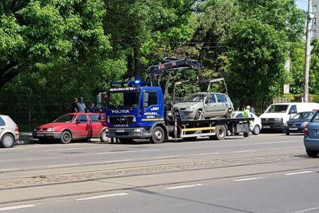 FOTO – In Sectorul 4 ridicarea masinilor parcate neregulamentar a inceput in forta!