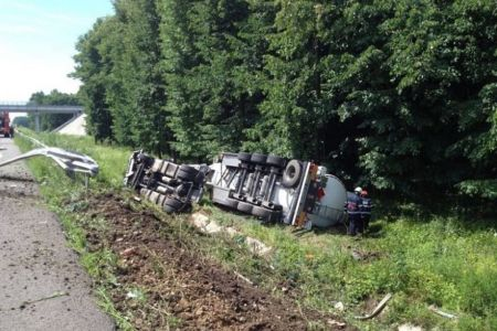 Trafic deviat pe autostrada A3 din cauza unui accident in care este implicata o cisterna!
