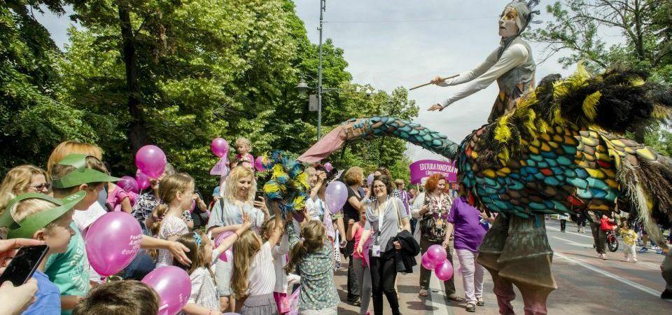 """Cei mici sunt asteptati in Parcul Kiseleff la Festivalul """"Amintiri din copilarie""""!"""