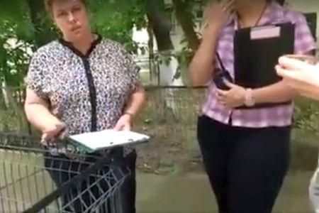 VIDEO – Bucuresteanca amendata de Politia Locala pentru ca i s-a facut mila de o pisicuta, in fata blocului!