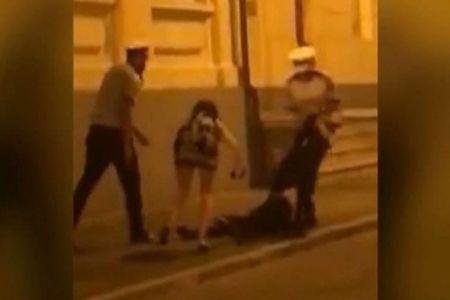 VIDEO – Reactia medicului scandalagiu, cand s-a trezit din betie: Regret incidentul! Nu stiu de ce voiau sa-mi puna catuse, doar i-am injurat…