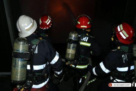 Incendiu la un centru social: 30 de copii au fost evacuati!