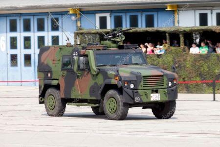 Uzina Mecanica Bucuresti a semnat un contract cu americanii de la General Dynamics pentru constructia de transportoare blindate