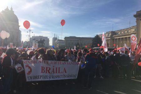 Peste 5000 de oameni protesteaza in Bucuresti impotriva Guvernului!