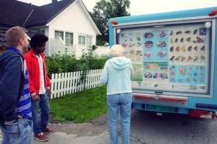 "We were having coffee at Skjalg's grandparents and his grandma looked out the window and said, ""Oh, the ice cream truck! We have to catch it. I need an ice cream cake."" Skjalg had to run down the street to catch it and the driver got a nice little reminder that he needed to wait longer next time."