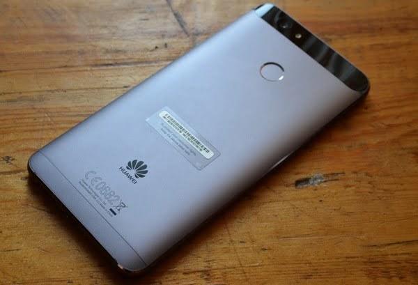 Задняя сторона Huawei Nova