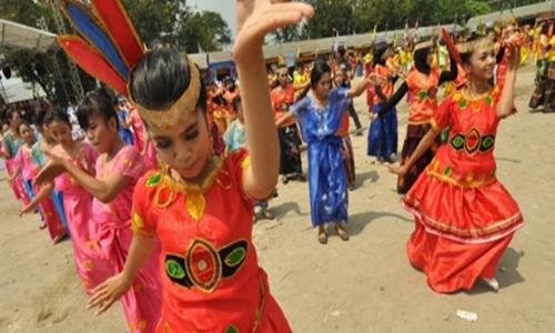tarian provinsi sulawesi barat