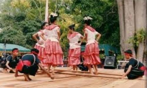 Tarian Dari Maluku