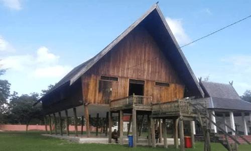 Rumah adat Kalimantan Tengah dan penjelasannya