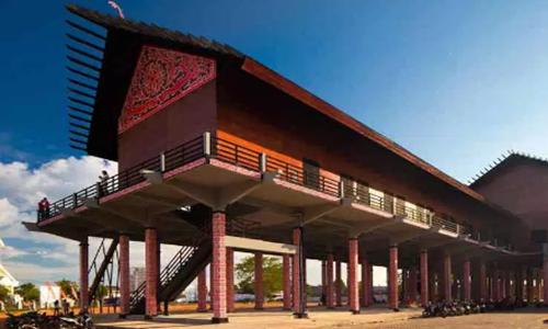 sketsa rumah adat Kalimantan Barat