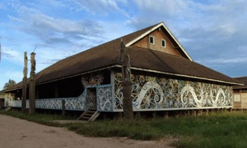 keunikan rumah adat Kalimantan Timur