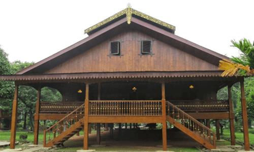 rumah adat dan penjelasannya