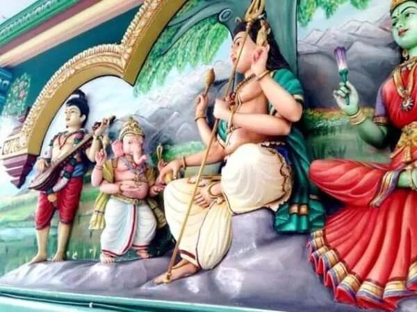 ヒンドゥー教とは|特徴を簡単に...