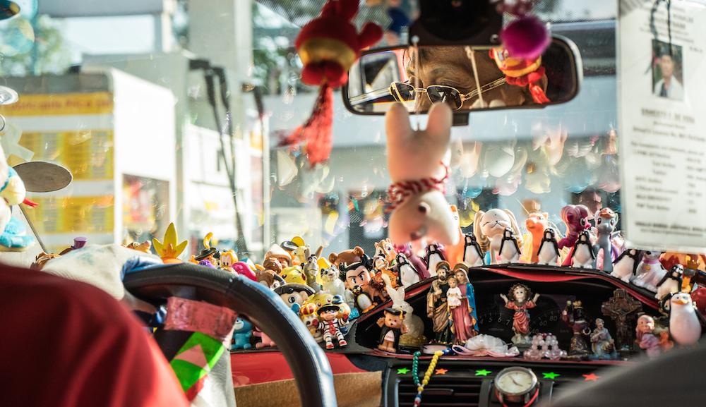 cab-drivers-manila-toys-kitsch-makati-Mr.-Ernie-figurines-religion-manila-buddha-drinks-fanta-04392