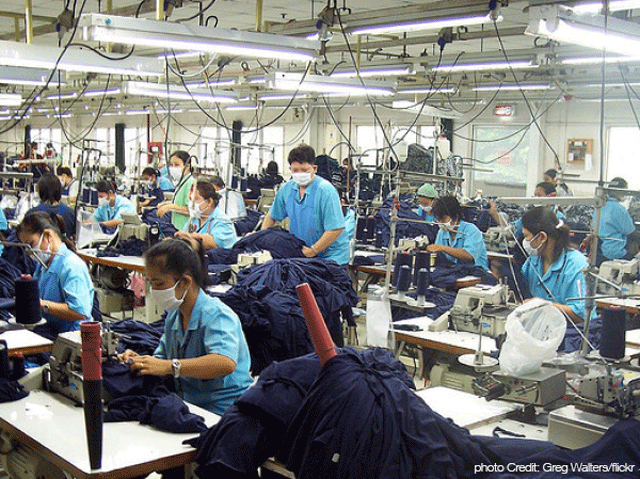 Factory-workers-image-640