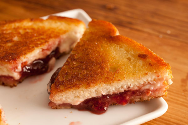 Cheese Jam Sandwich - 5 On the Go Recipes for Hostelites