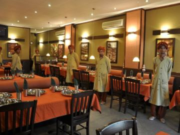 This restaurant serves Gujarati and Rajasthani food in Pakistan - Raj Rasoi