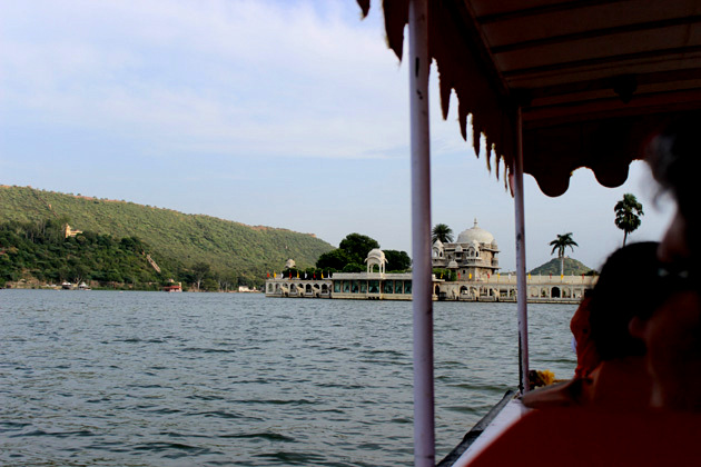 Boating in Lake Pichola - Things to do in Udaipur