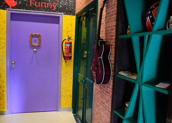 Door FRIENDS themed Cafe opened in Kolkata!