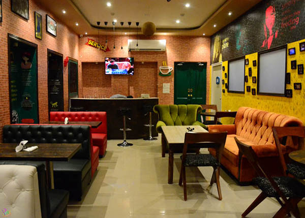 FRIENDS themed Cafe opened in Kolkata!