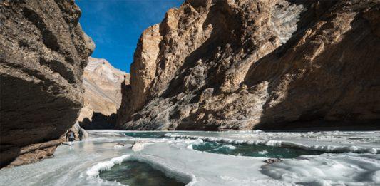 frozen-river-trek1