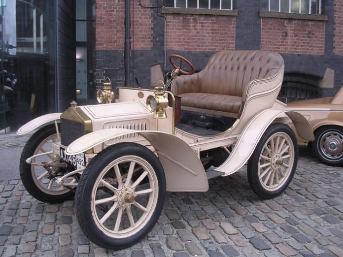rolls-royce-10-hp-facts-700x525